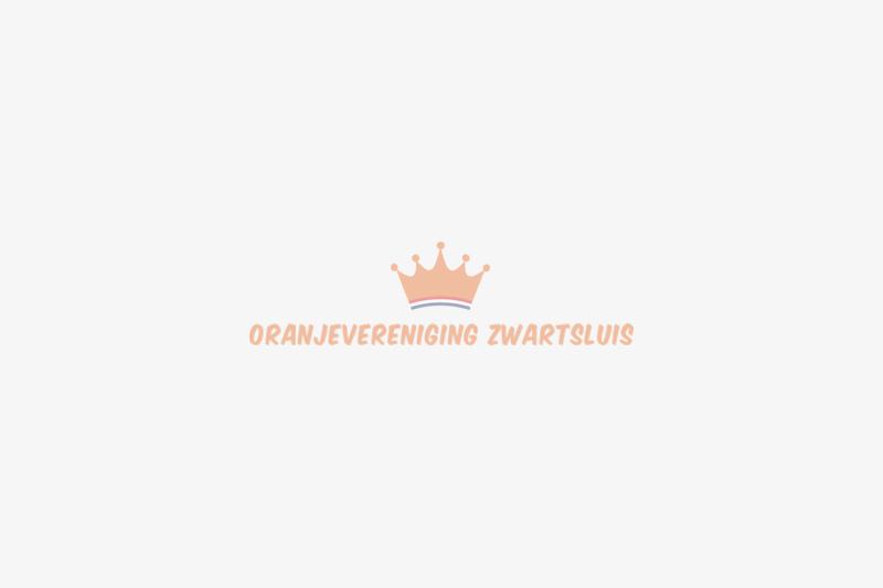 Optreden Jan Rijke tijdens rondrit Koningsdag Zwartsluis 2020