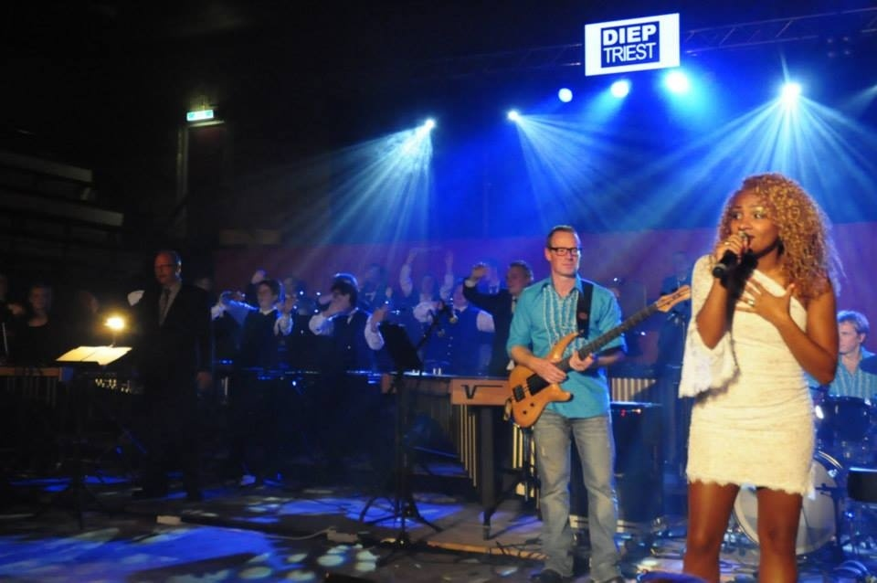 Feestavond muziekvereniging Voorwaarts en de band DiepTriest